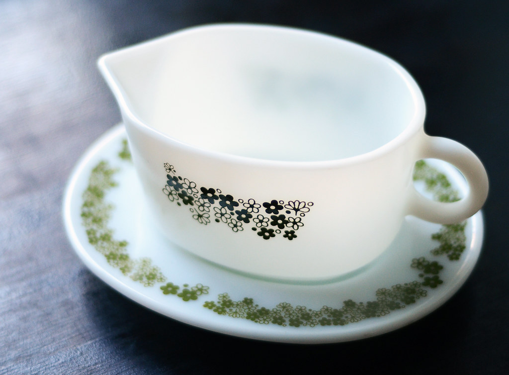 Vintage Pyrex Gravy Bowl and Dish in Spring Blossom Pattern