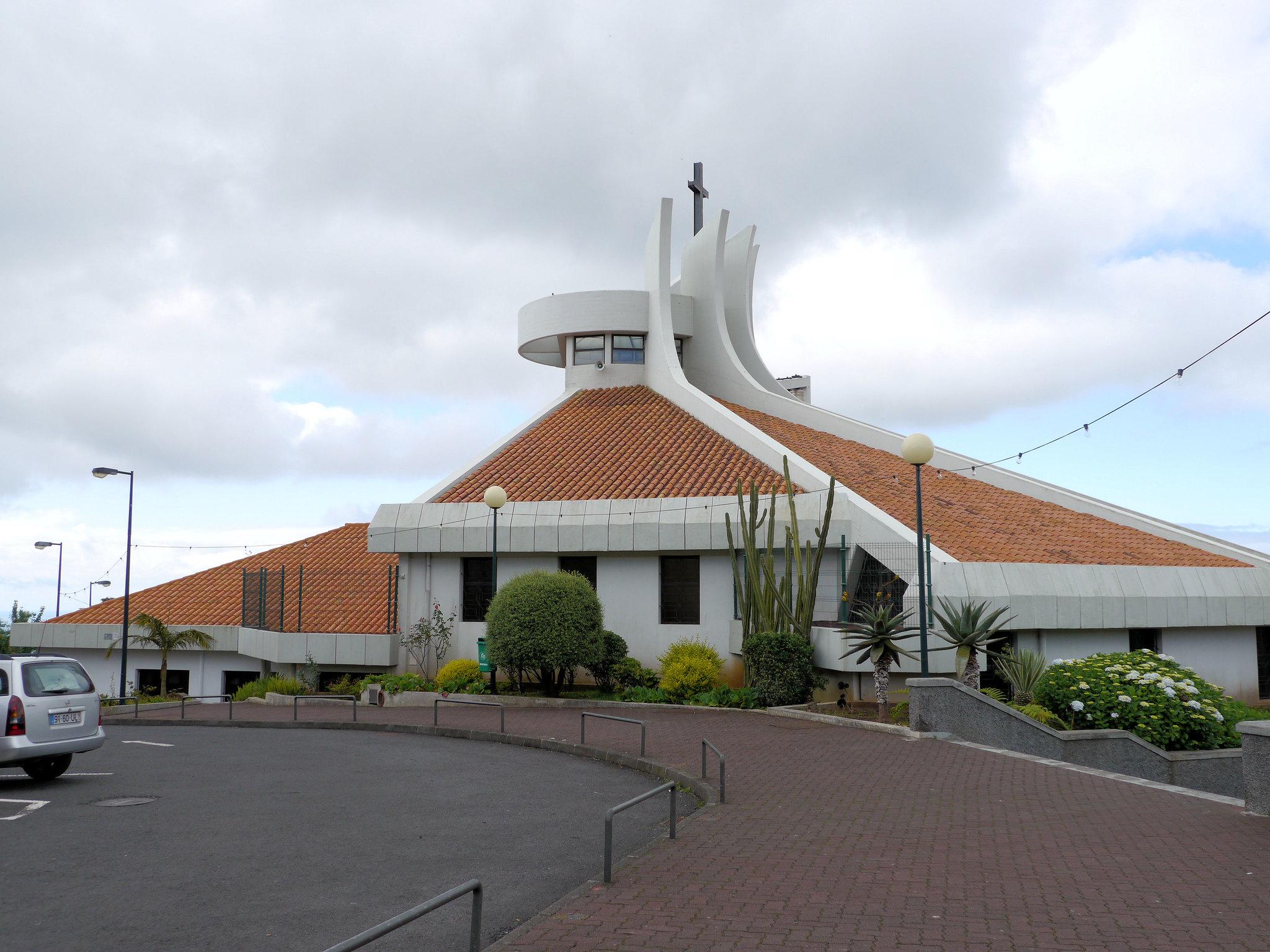 Camacha eglise moderne con ue par l 39 architecte for Architecte bresilien