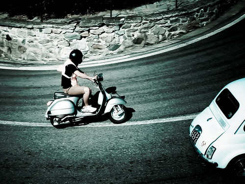 Vespa vs 500 by (Theo)