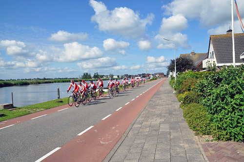 Peloton on the Ringvaart