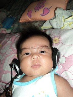 axels-1st-month-with-headset