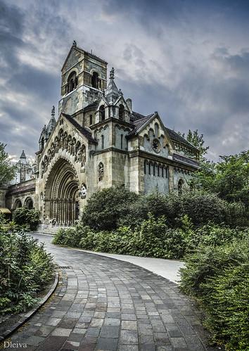 Iglesia Ják (Castillo de Vajdahunyad, Budapest) by dleiva
