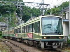 江ノ電305F+2002F@極楽寺検車区