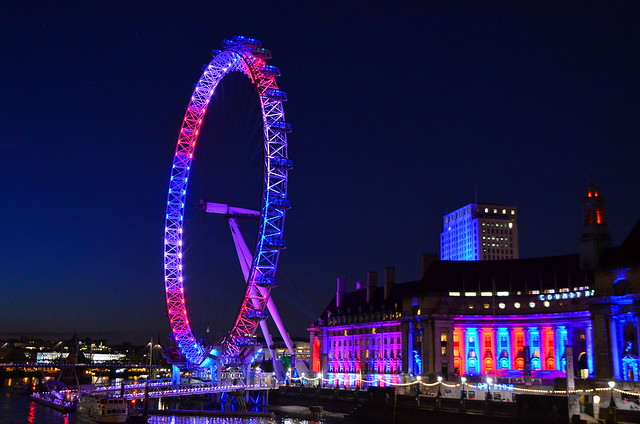 D7K_2880 London Eye in red white and blue