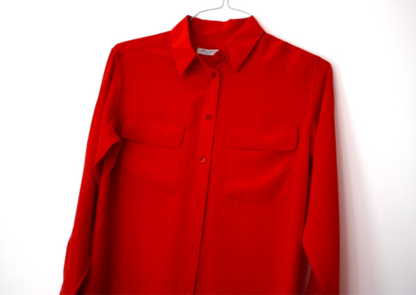 equipment_red_blouse