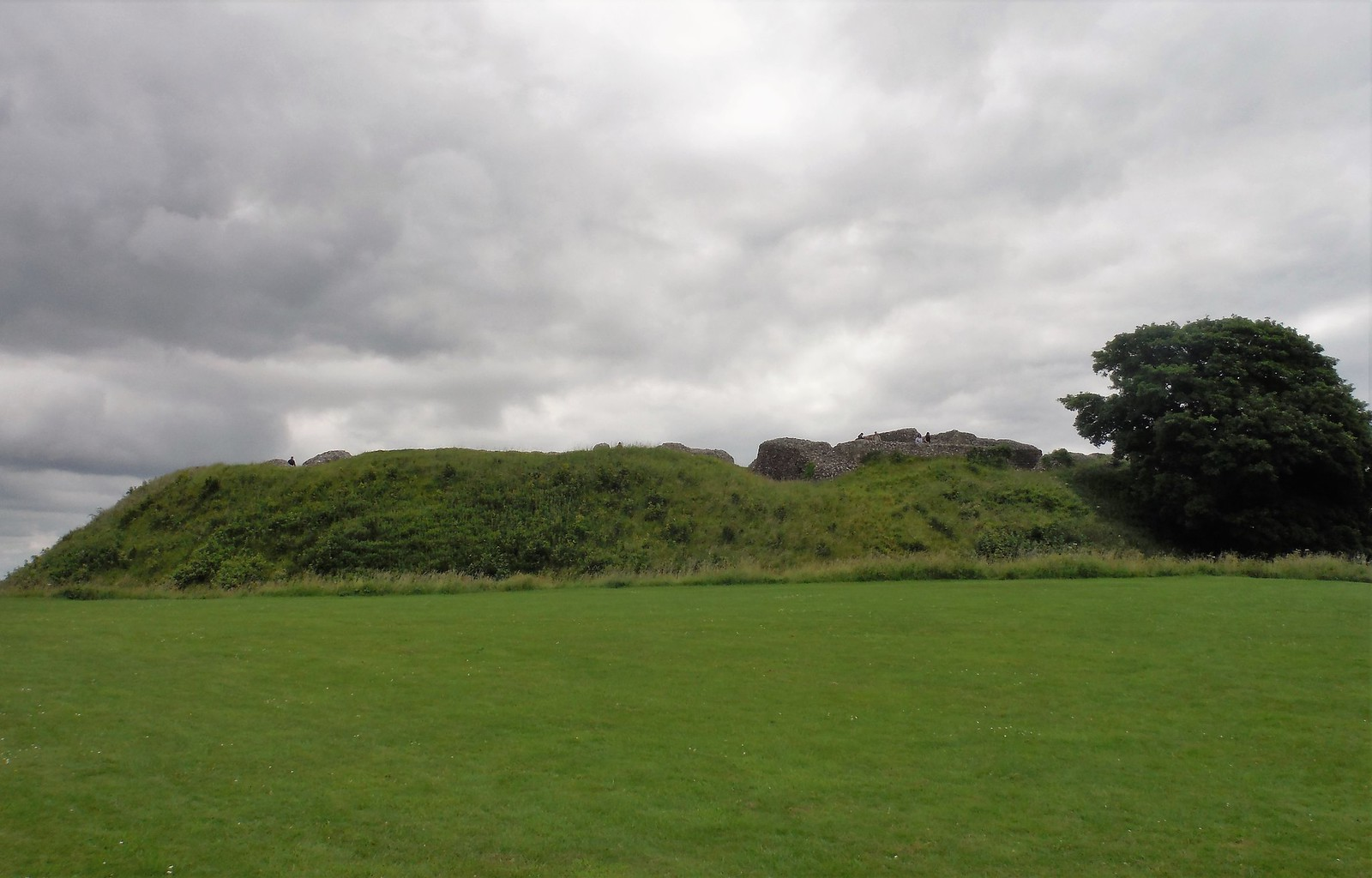 Old Sarum Castle remnants, from the North SWC 67 Salisbury to Amesbury (via Stonehenge)