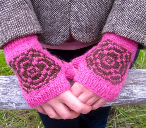 Pink rose mitts