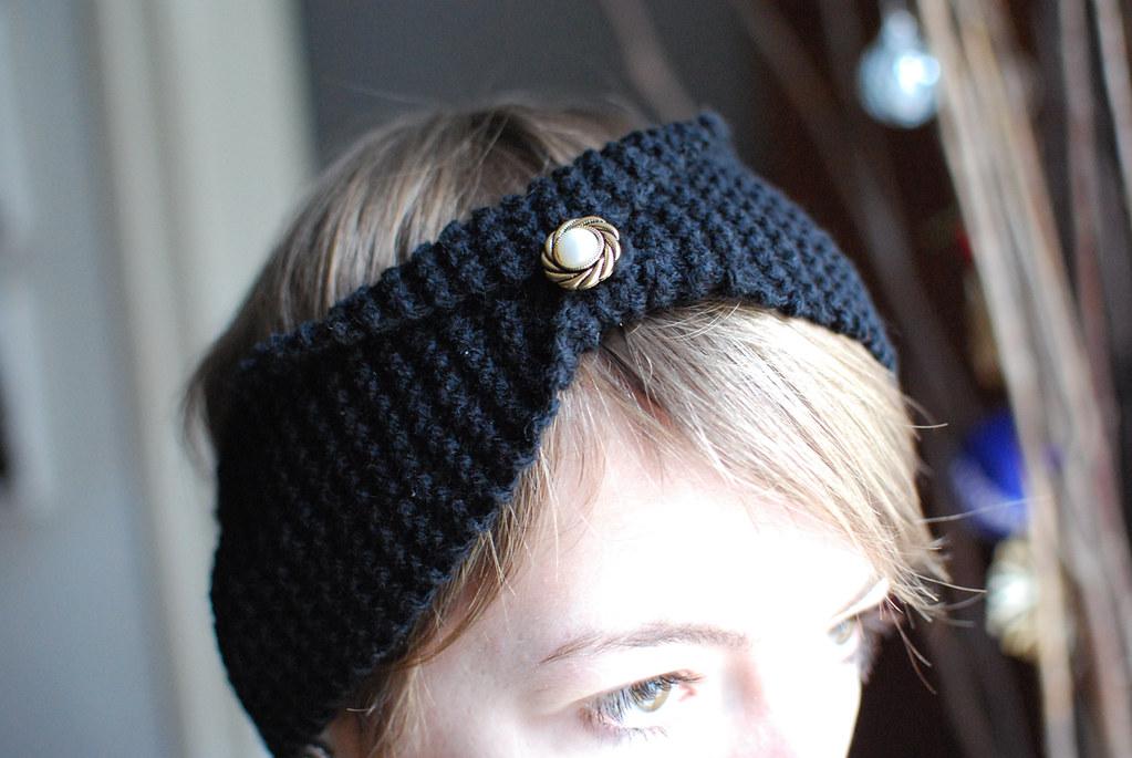 Stirnband mit antikem Knopf