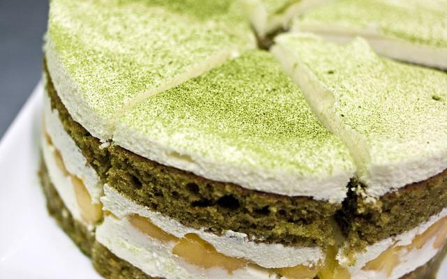 2012-06-24_Turning-Japanese-Matcha-Nectarine-Cake