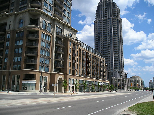 Mississauga Condos - Chicago podium