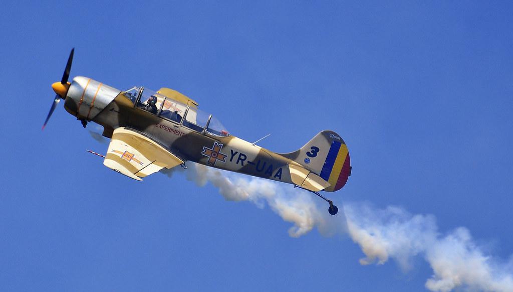 AeroNautic Show Surduc 2012 - Poze 7523037880_8830c1a64a_b