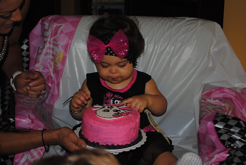 Ava and her smash cake.