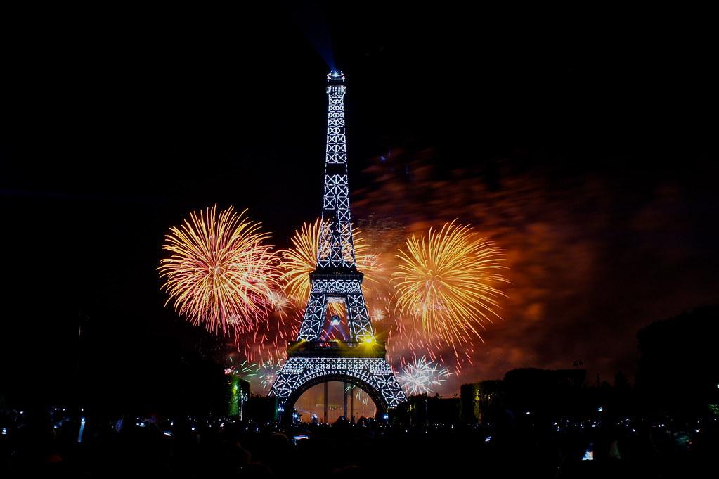 花火もエッフェル塔も素敵