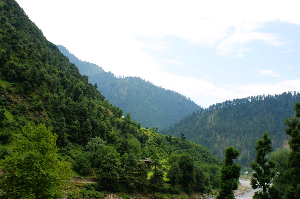 """MJC Summer 2012 Excursion to Neelum Valley with the great """"LIBRA"""" and Co - 7642323148 65c656cf93 b"""