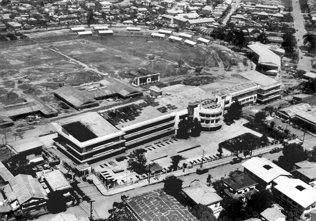 Manila jockey club june 4 1945 manila philippines for Puerta 4 jockey club