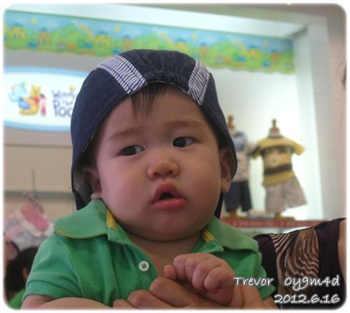 120616-在麗嬰房選帽子