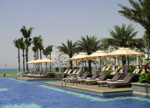 Sheraton Shenzhou Peninsula Resort umbrellas