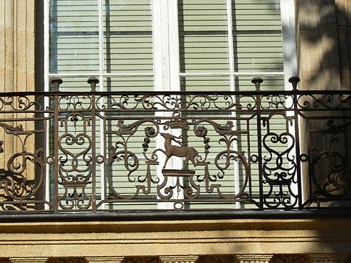 balcons hôtel de Caumont.jpg