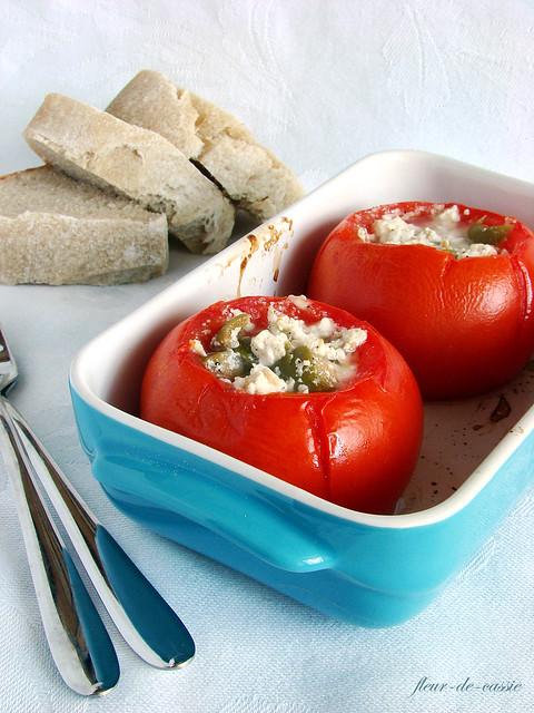 помидоры запеченные с брынзой и оливками