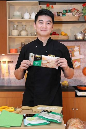 Chef Arnold - Brand Ambassador Fiesta Seafood 1
