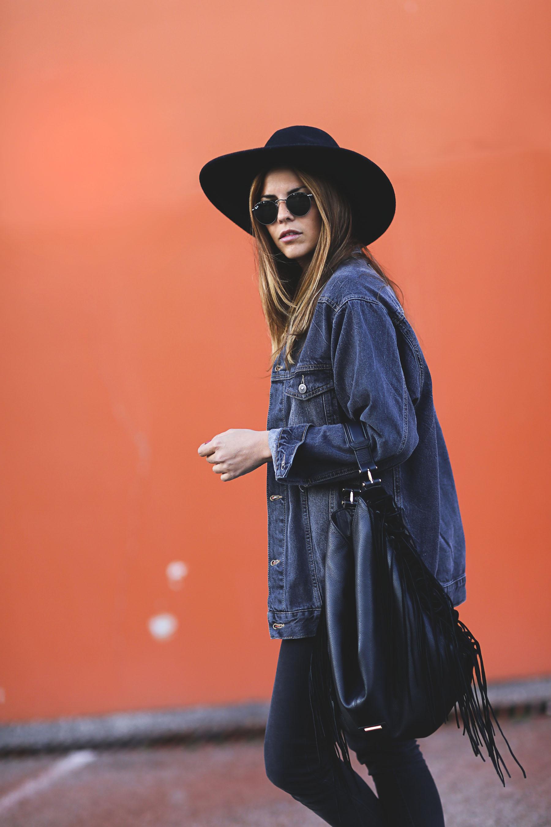 trendy-taste-look-boho-sombrero-flecos-botines-camperos-cowboy-spring-primavera-denim-11