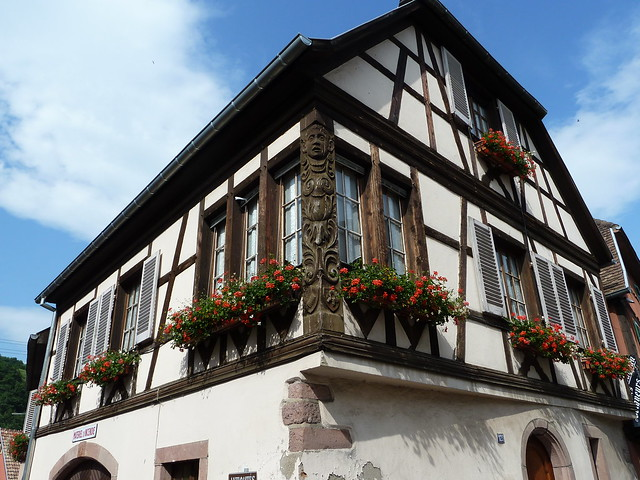 Balcon fleuri à Niedermorschwihr