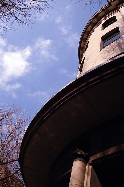 日本大通り 横浜情報文化センター