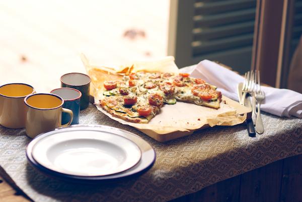 pizza calabacin y tomates cherry