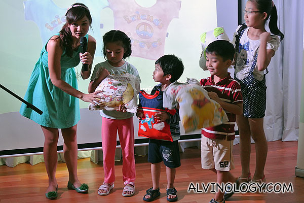 Another group of kids with their tee-shirt pillows