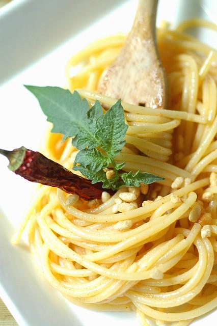 Lo Spaghetto Crunchyaglio olio paprica e peperoncino