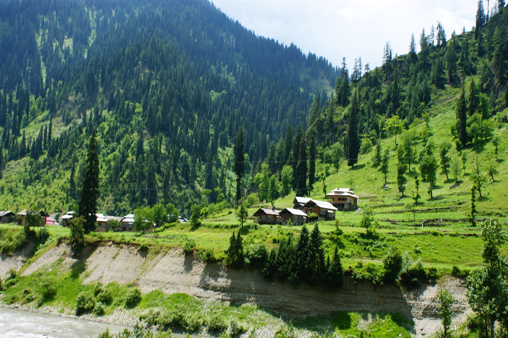 "MJC Summer 2012 Excursion to Neelum Valley with the great ""LIBRA"" and Co - 7608982410 838016a10a b"