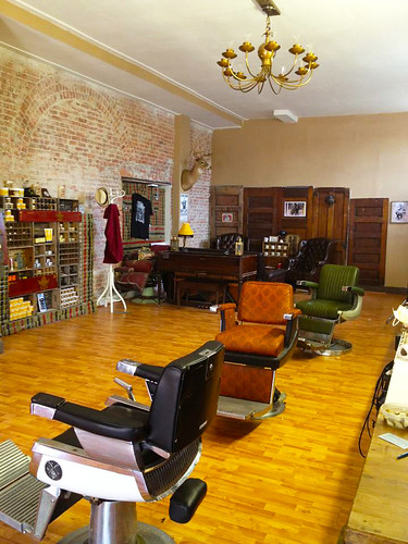 Old Familiar Barbershop
