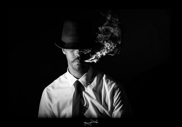 autoportrait ;-) inspiration sexy danse 4 smoke self-portrait