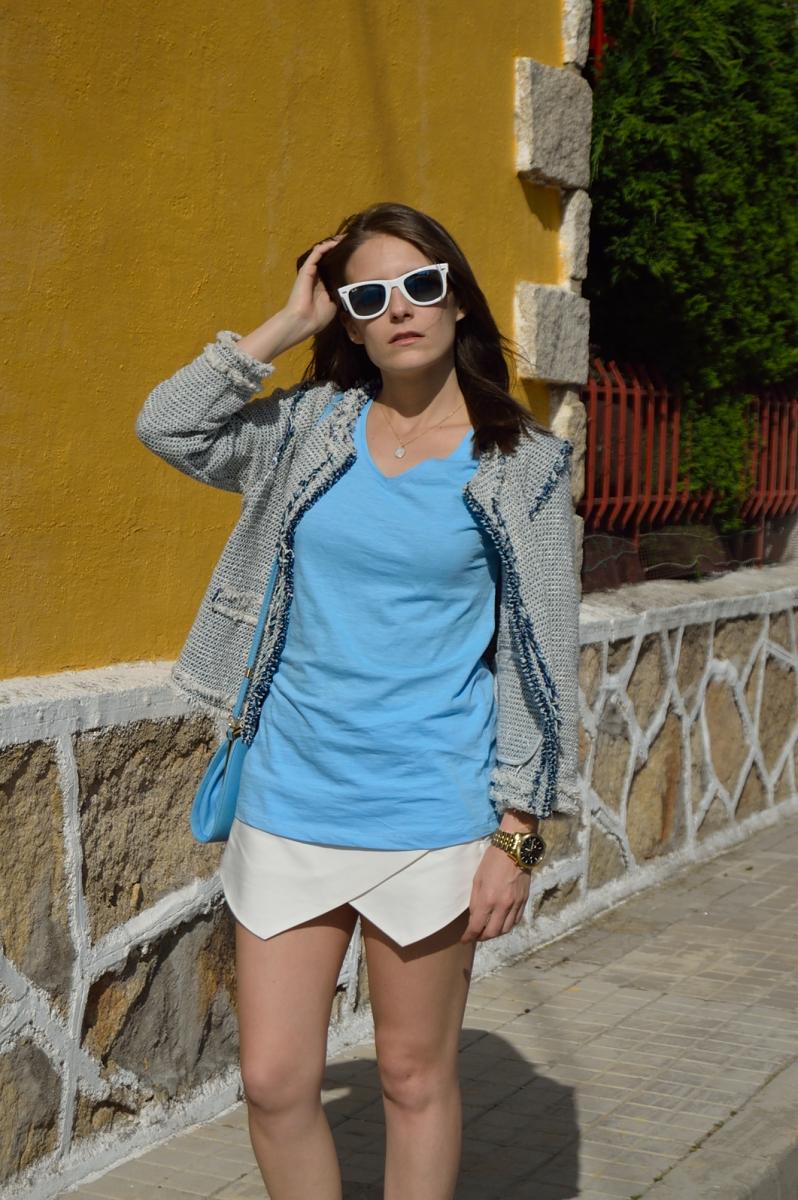 lara-vazquez-madlula-blog-pastel-blue-look-sunny-day