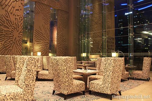Acacia Hotel Manila The Lobby