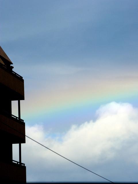 ほんのり虹