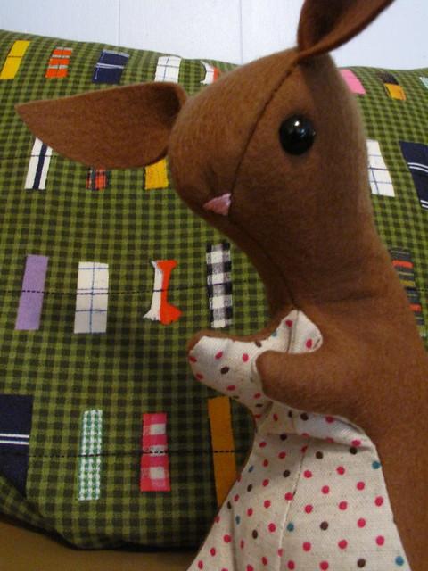 Wool felt bunny 0658