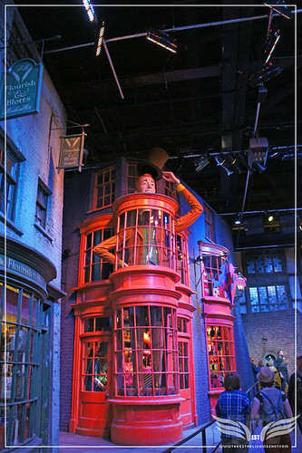 The Establishing Shot: The Making of Harry Potter Tour - Diagon Alley the Weasleys' Wizard Wheezes Shop by Craig Grobler