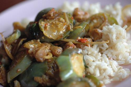 ご飯と茄子の炒め物