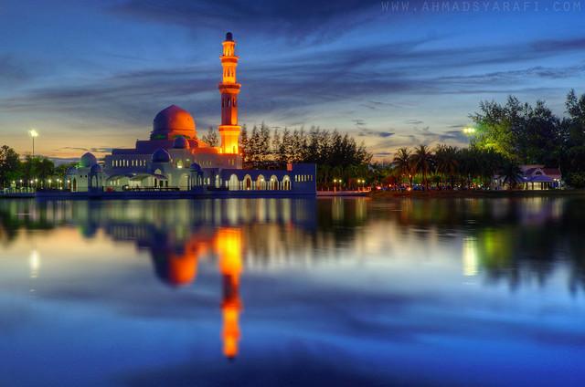 Tengku Tengah Zaharah Mosque