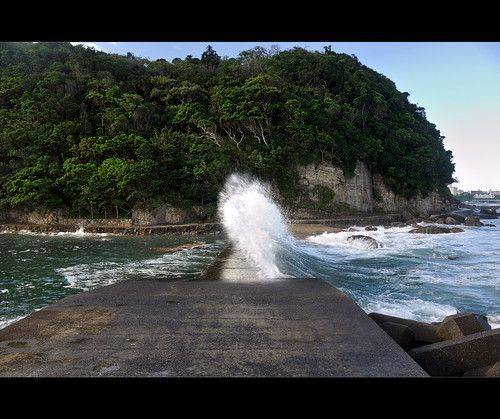 ocean summer japan sunrise coast power wave wakayama shirahama wavepower fishingspot