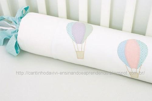 Almofada com patch apliquê de balões by Vivianny Arte e Cia