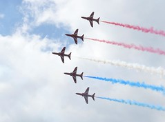 Red Arrows performing 5