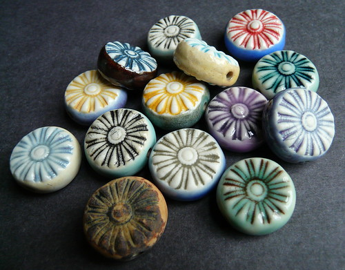 Porcelain double sided Wagon Wheel beads
