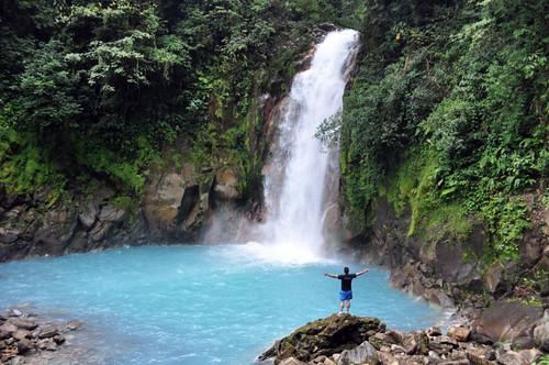 El río Celeste fue uno de los lugares más bonitos que pudimos disfrutar en Costa Rica, ... cascadas de ensueño, el color del agua, el entorno, la naturaleza, el volcán Tenorio al fondo ... Memoria de viajes 2012 - 7538376538 d32a3005ff - Memoria de viajes 2012
