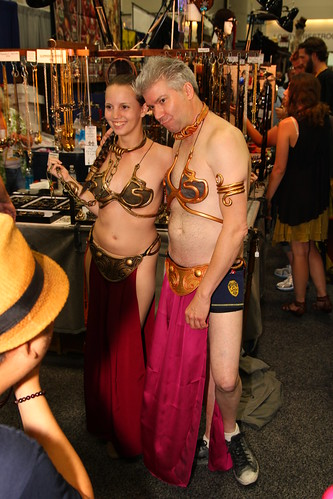 Slave Leia and Chris Gore as Male Slave Leia