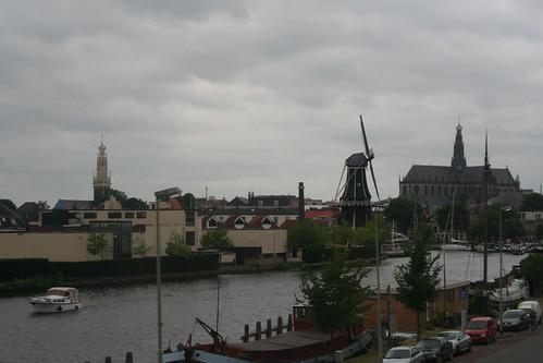 2010.07.15.180 - HAARLEM - Molen 'De Adriaan' · Grote of Sint-Bavokerk