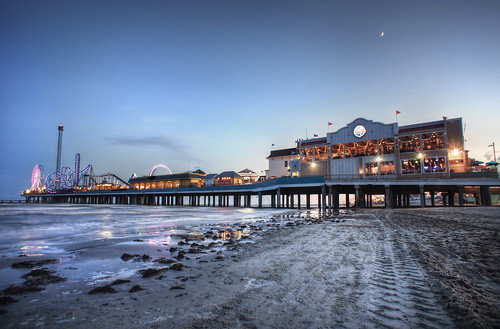 sunset galveston beach water pier sand texas tx seawall rides bluehour hdr bubbagumps pleasurepier