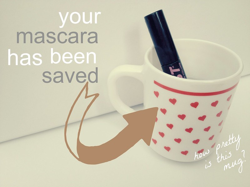 mascara in hot water