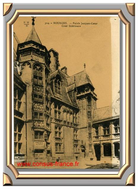 BOURGES - Palais Jacques Coeur - Cour intérieure _304_EMB -70-150